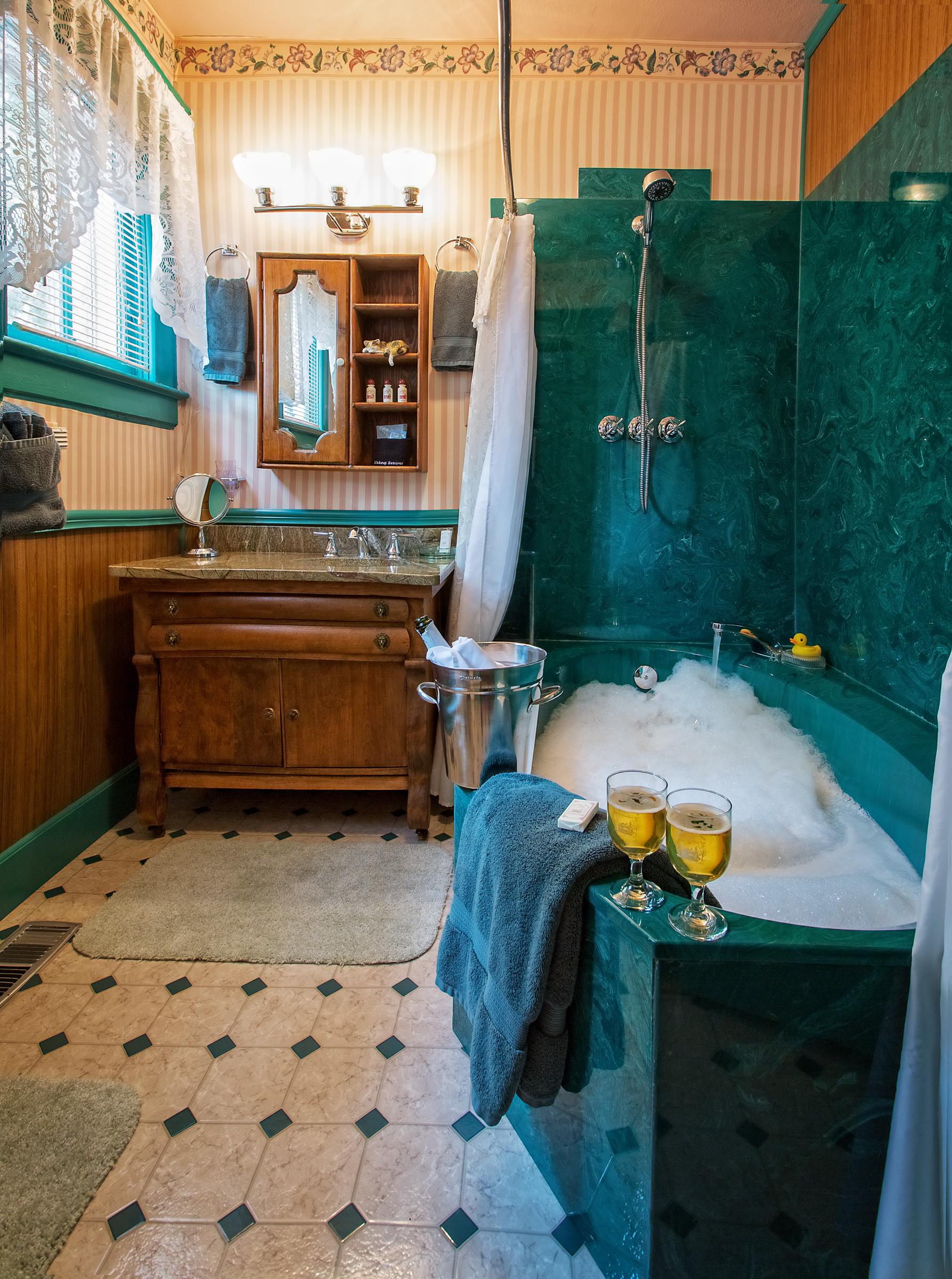 Silverton bath