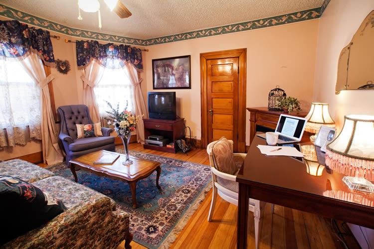 Sitting room in the Pikes Peak Suite