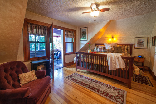 The Pikes Peak Suite