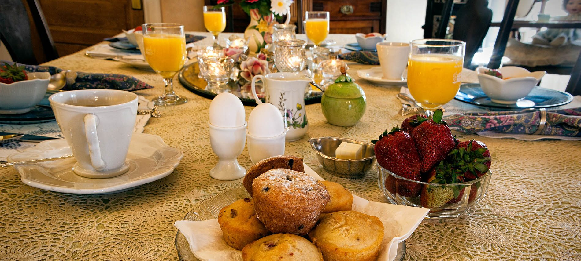 Picture of breakfast table