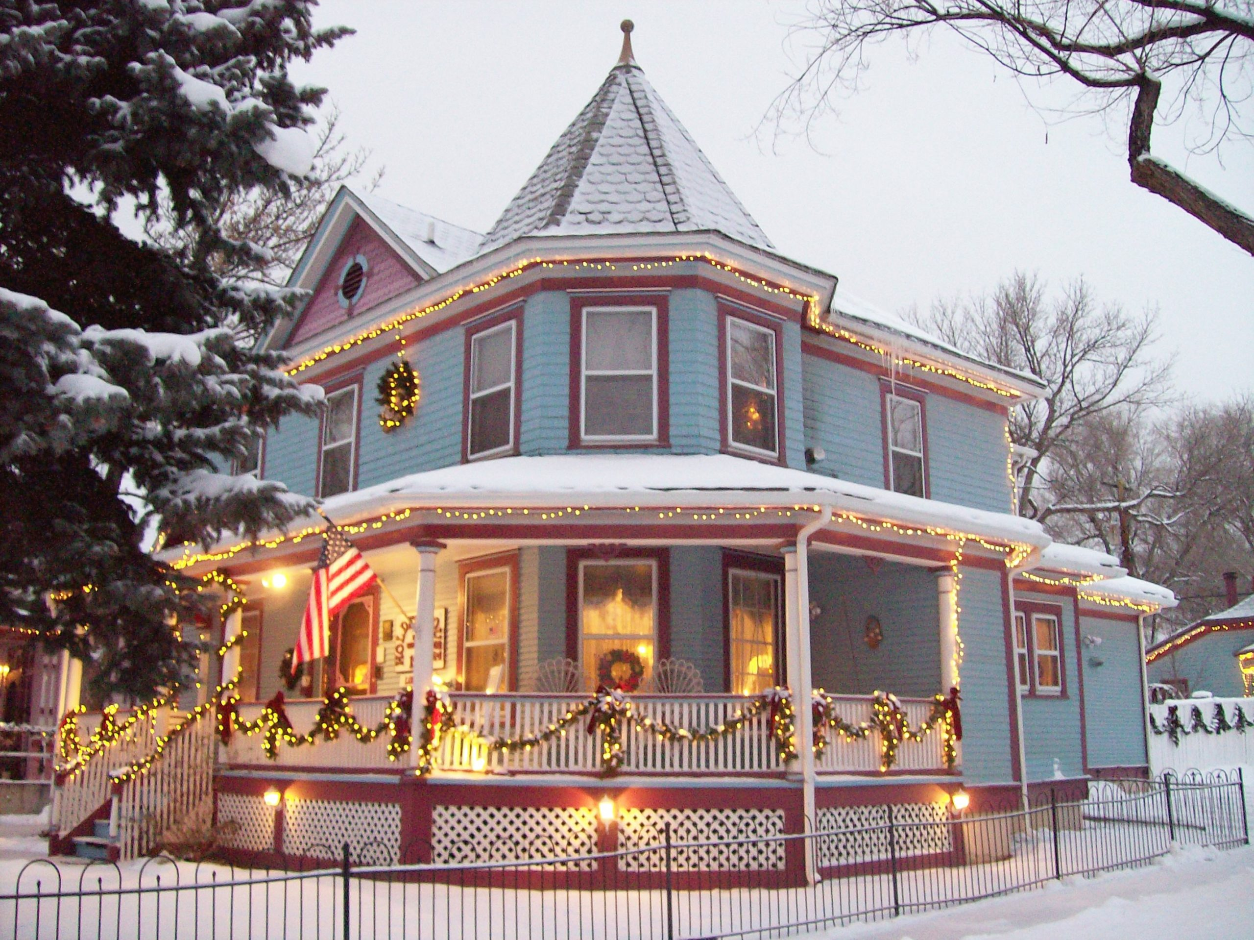 Christmas at Holden House features lights, decorations and warm hospitality
